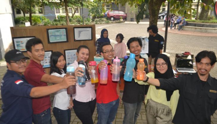 Mahasiswa FKH UGM Kampanye Pengurangan Sampah Plastik