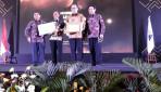 Rektor UGM Raih Academic Leader Award Kemristekdikti 2019