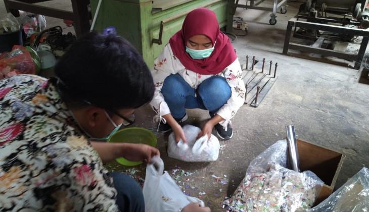 Mahasiswa Fapet UGM Ciptakan Prototipe Papan Berbahan Dasar Limbah