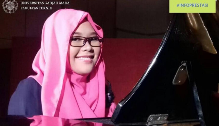 UGM Student Wins 2nd Place in International Level of Live Karaoke PPI Radio Anniversary