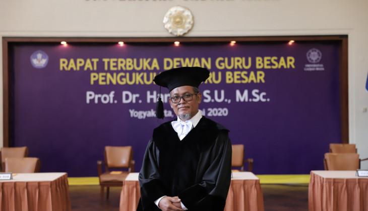 Prof Harsojo Dikukuhkan Sebagai Guru Besar FMIPA UGM